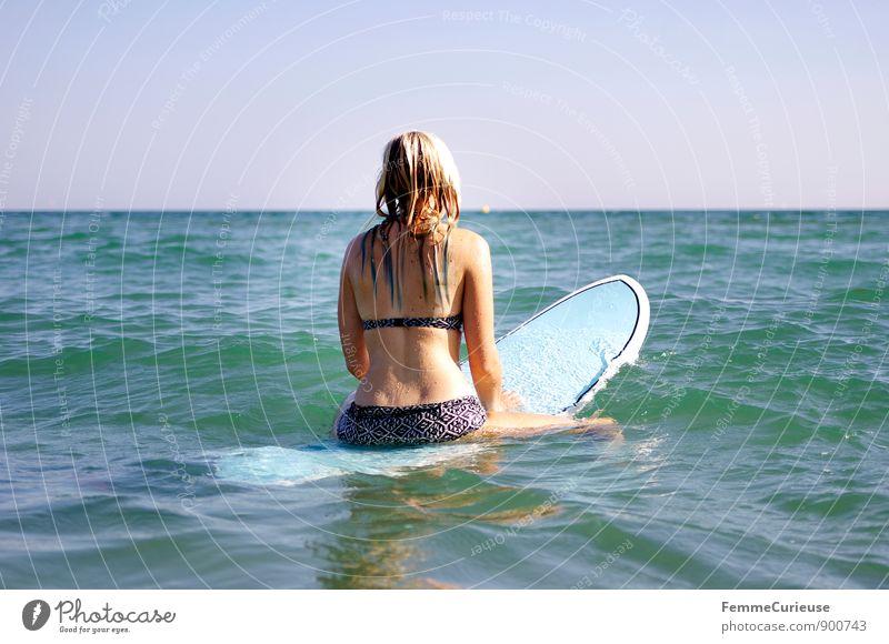 SurferGirl_08 Mensch Frau Ferien & Urlaub & Reisen Jugendliche Sommer Sonne Meer Junge Frau 18-30 Jahre Strand Ferne Erwachsene Bewegung feminin Sport Freiheit