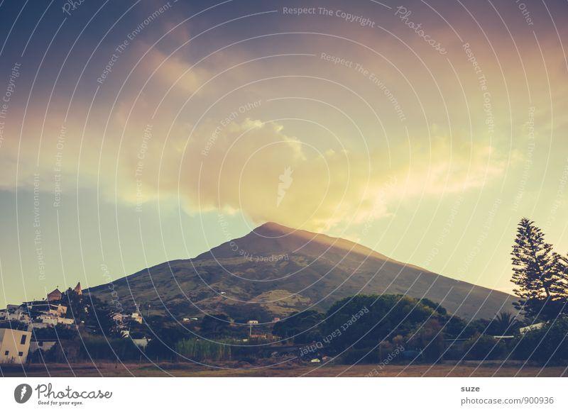 Wutschnaubend Himmel Natur Ferien & Urlaub & Reisen Umwelt Berge u. Gebirge Reisefotografie Stil außergewöhnlich Tourismus Insel fantastisch Abenteuer Italien Gipfel malerisch Rauch