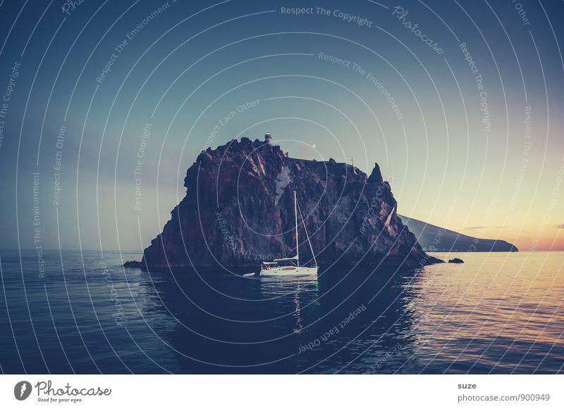 Die Nacht dreht sich um dich ... Himmel Natur Ferien & Urlaub & Reisen blau Meer kalt Umwelt Berge u. Gebirge Reisefotografie Küste Felsen Tourismus Insel