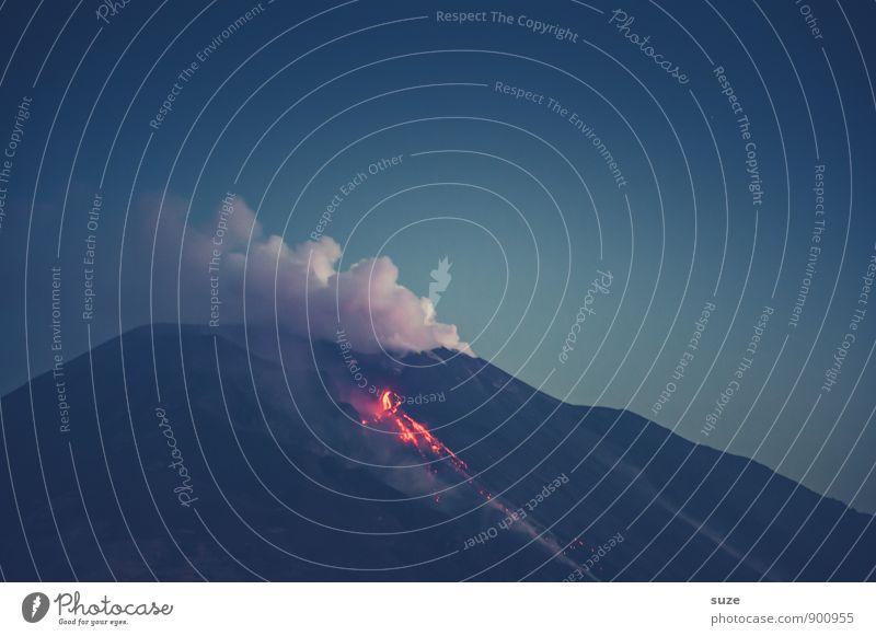 Vorzimmer Hölle Natur Ferien & Urlaub & Reisen dunkel Umwelt Berge u. Gebirge Reisefotografie außergewöhnlich wild fantastisch Abenteuer Feuer Gipfel Italien