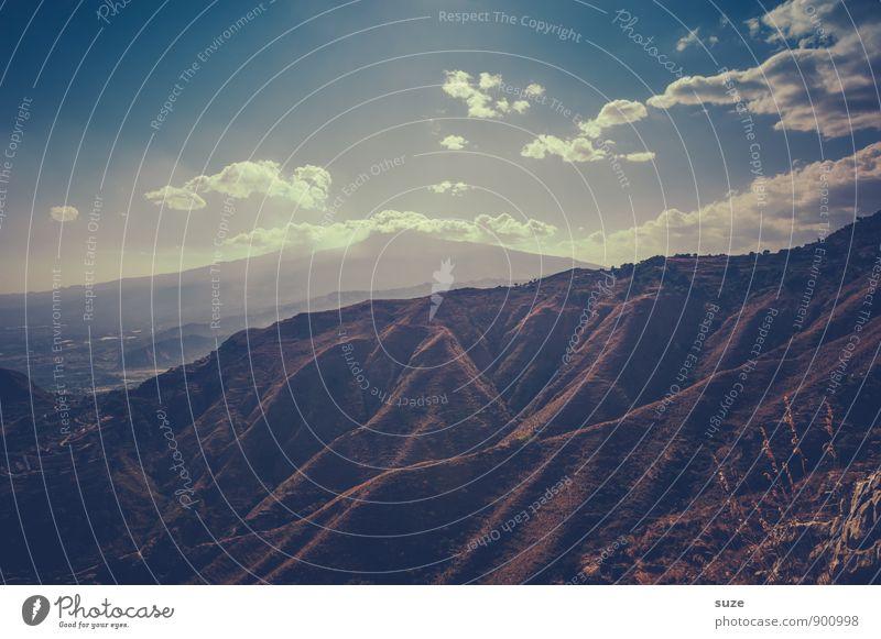 Unscheinbar Himmel Natur Ferien & Urlaub & Reisen Landschaft Wolken Ferne Umwelt Berge u. Gebirge Reisefotografie Erde leuchten Tourismus wandern hoch Aussicht