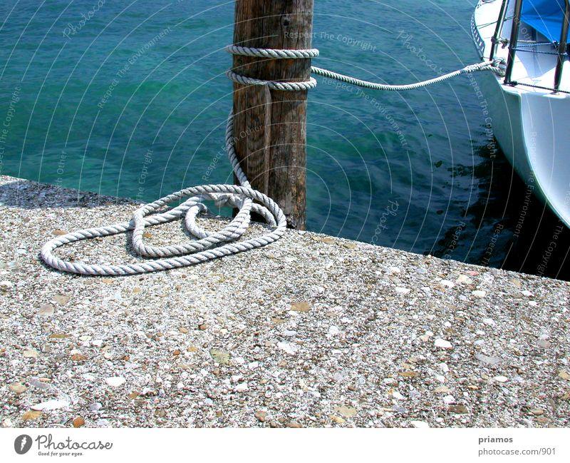 anlegen Wasserfahrzeug ankern Steg See Seil