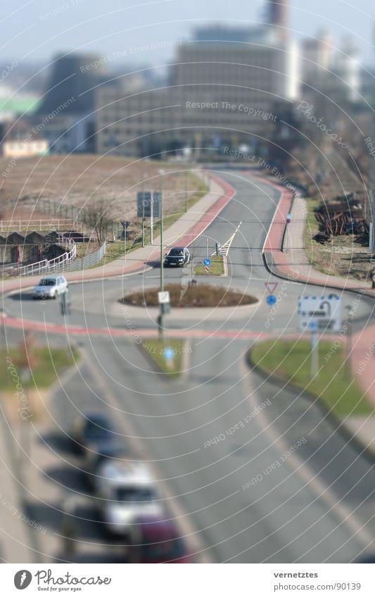 Miniaturisiertes III Straße PKW Verkehr Spielzeug Bahnhof Verkehrswege Parkplatz Bielefeld Modellbau Kreisverkehr Stadtwerke