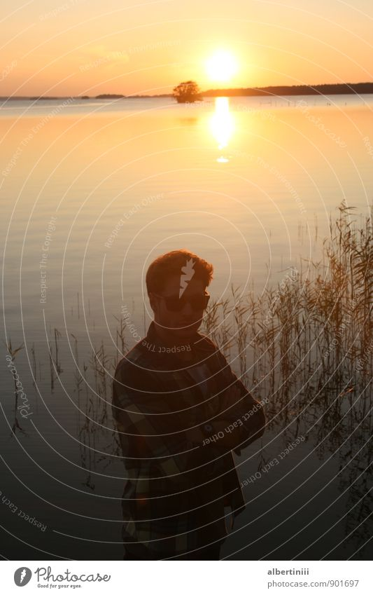 Sonnenuntergang Mensch maskulin Mann Erwachsene Freundschaft Körper 1 18-30 Jahre Jugendliche Kunst Umwelt Natur Landschaft Tier Luft Wasser Himmel