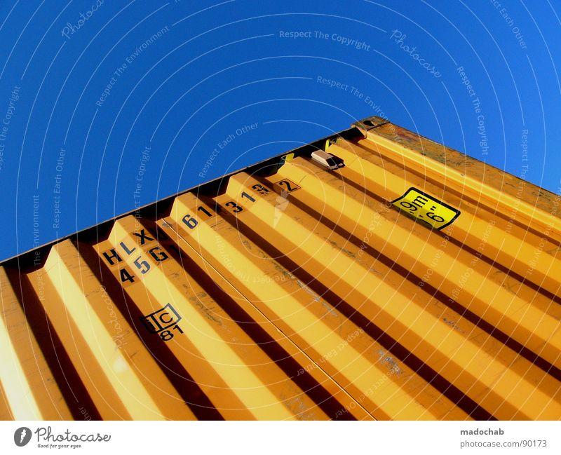 COLOURS MAKE ME LOSE CONTROL Himmel blau Farbe Lampe Beleuchtung orange Industrie Ecke Güterverkehr & Logistik Kommunizieren Schriftzeichen Stahl Typographie Container zusätzlich