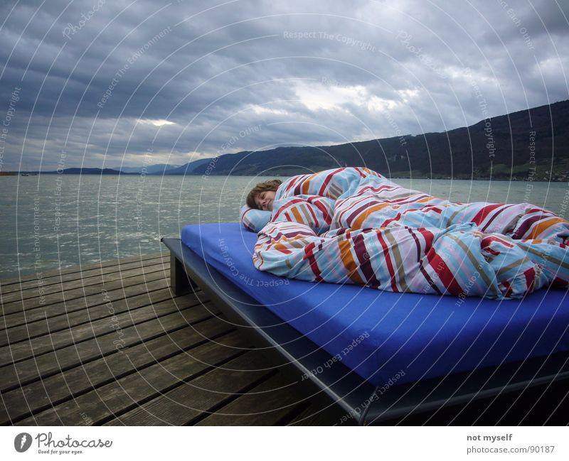 Dreaming Away Bett schlafen träumen Steg Holz See Wolken Wasser Jura Berge u. Gebirge Bielersee Wetter Sonne Außenaufnahme