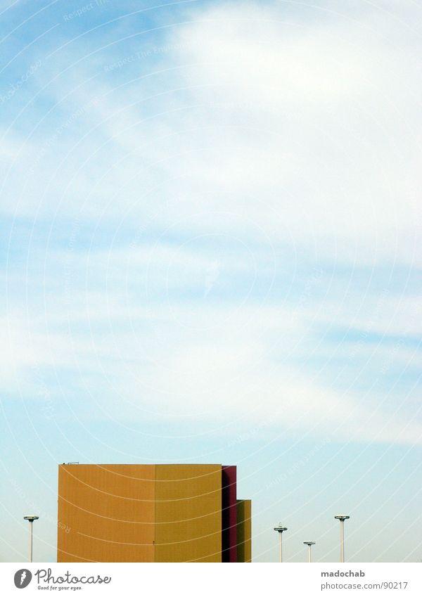 KITSCH ME IF YOU CAN Himmel blau schön Wolken Haus Architektur klein Gebäude Lampe fliegen Hochhaus Luftverkehr trist Weltall Laterne Konzentration