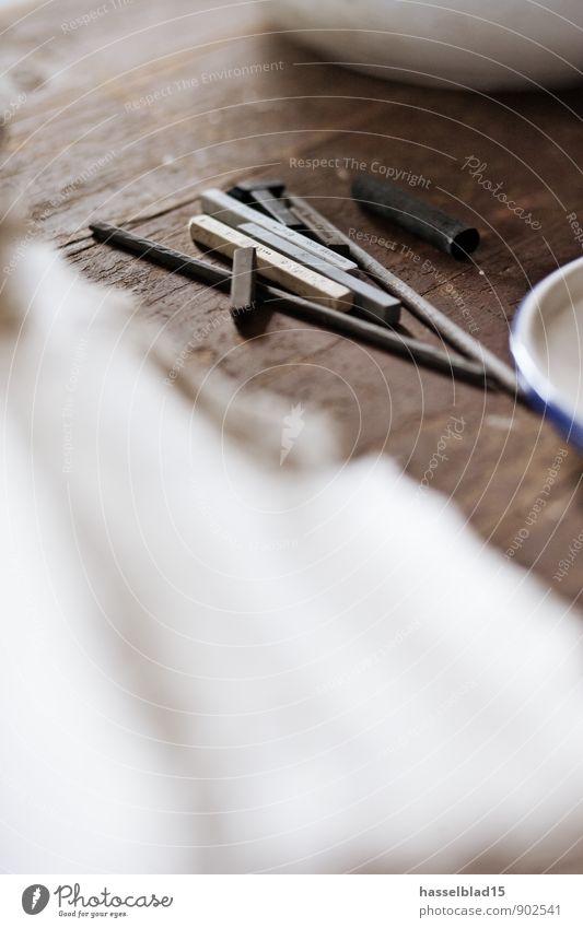 Atelier Kohle Erholung ruhig Freude Stil Glück Lifestyle Schule Kunst Wohnung Design Zufriedenheit Freizeit & Hobby dreckig Tisch Kreativität lernen