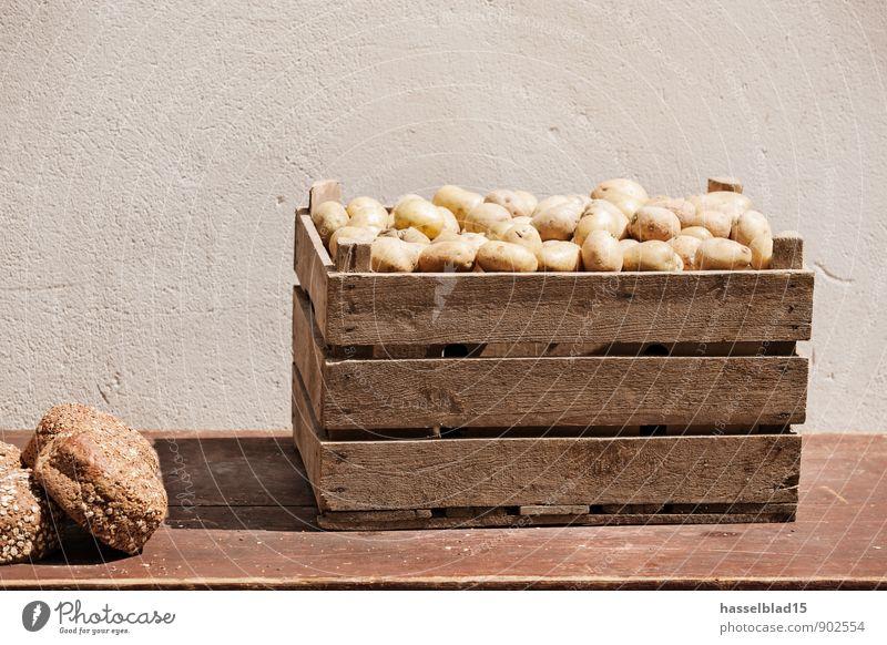 Kluger Bauer Lebensmittel Brot Kartoffeln Ernährung Bioprodukte Vegetarische Ernährung Lifestyle kaufen Reichtum Freude Glück sparen Gesundheit
