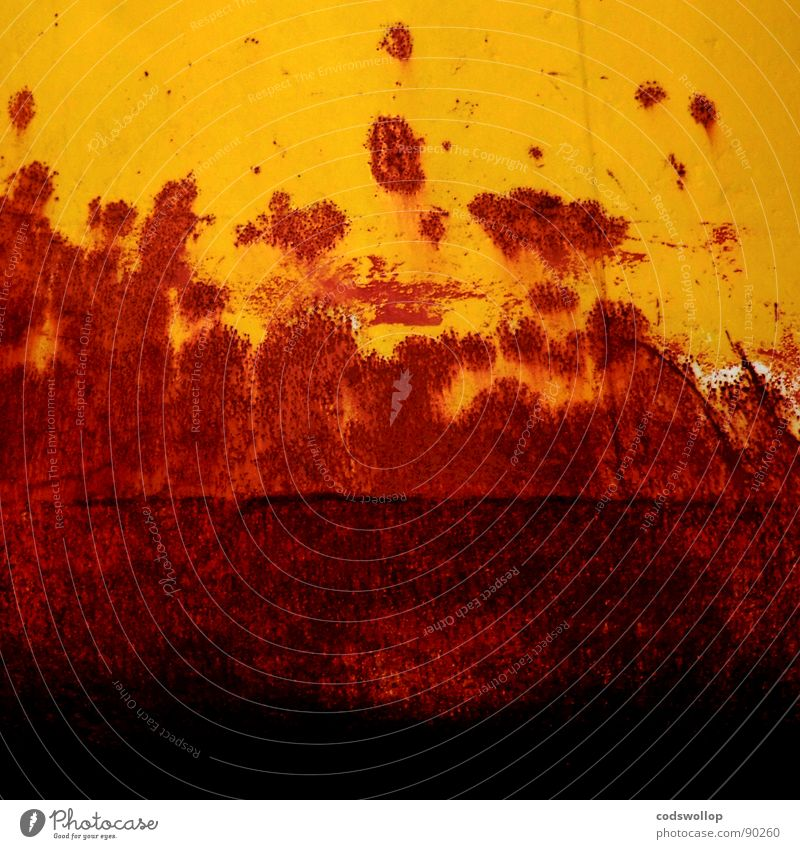 korrosionsermüdung rot gelb orange Industrie Hafen Vergänglichkeit Rost Rust Ponton