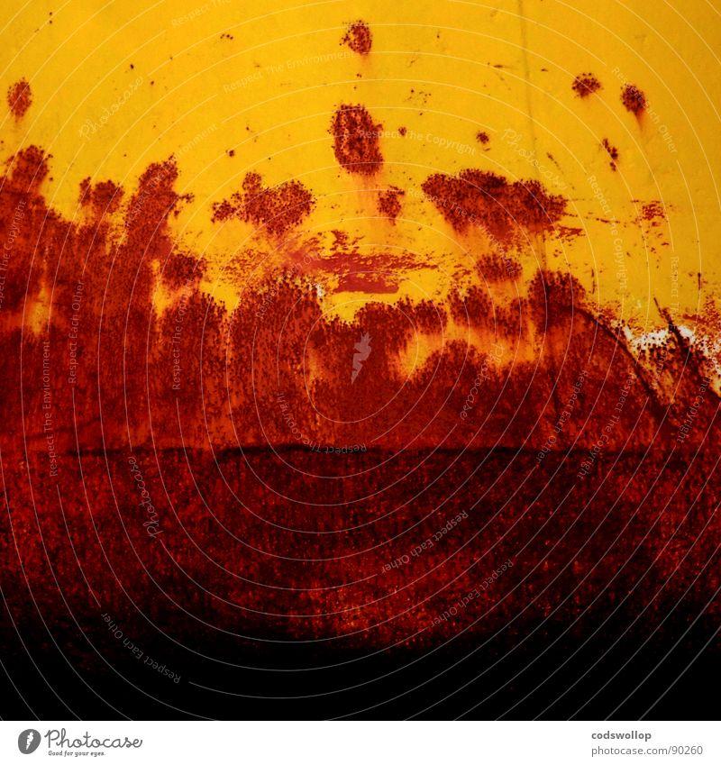 korrosionsermüdung rot gelb Rust Ponton Rost Hafen Industrie Vergänglichkeit red orange Strukturen & Formen buoy corrosion oxidisation