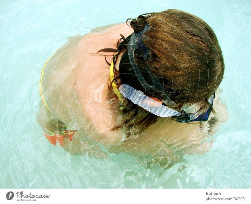 Kälte.. Wasser Mädchen Ferien & Urlaub & Reisen Sommer Freude ruhig Auge Haare & Frisuren Wärme Luft träumen nass Schwimmen & Baden Brille Sauberkeit Klarheit