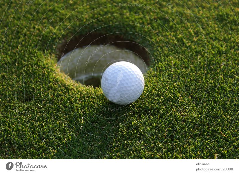 Close To The Hole Natur grün Sport Ball Freizeit & Hobby Golf Ballsport Golfball