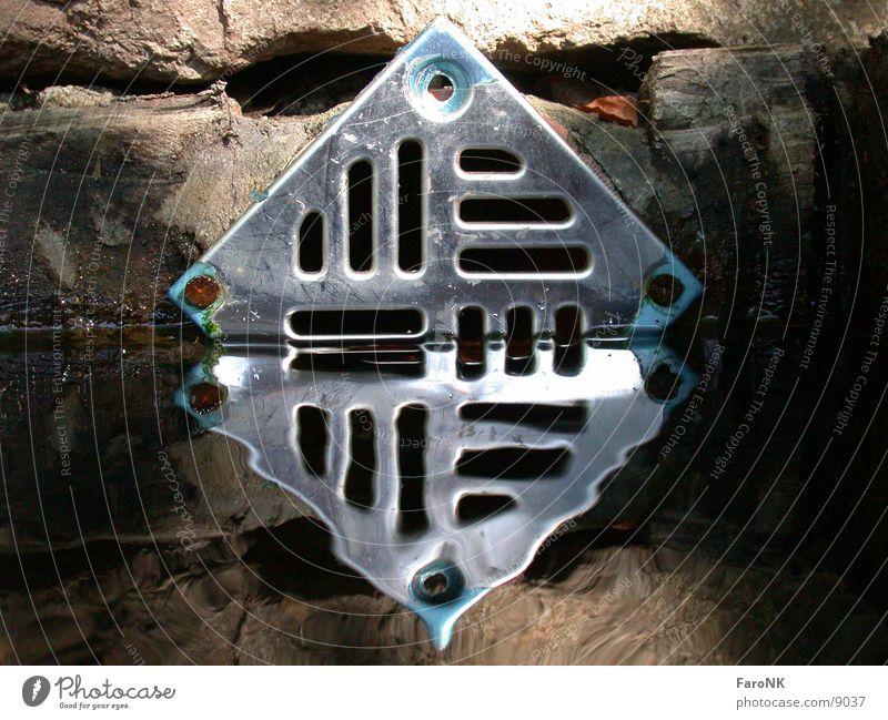 Überlauf Wasser Metall Brunnen Fototechnik
