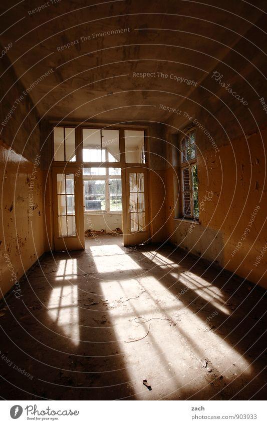 Flutlicht alt Haus Fenster Wand Innenarchitektur Architektur Mauer Gebäude braun Fassade Wohnung Raum Häusliches Leben kaputt Wandel & Veränderung