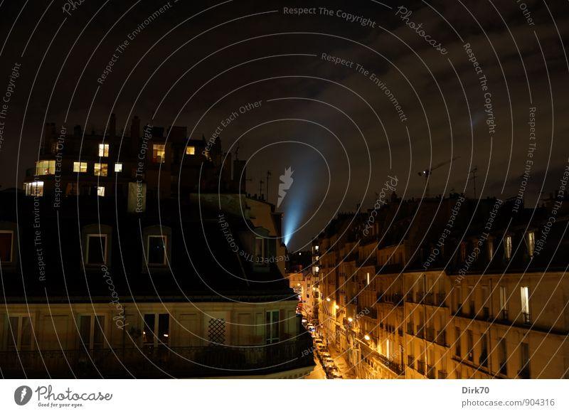 Nacht über den Dächern von Paris - ein lizenzfreies Stock ...