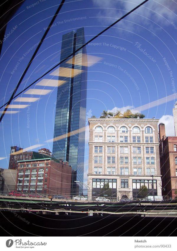 The Sky's the Limit alt Himmel blau Ferien & Urlaub & Reisen Haus Arbeit & Erwerbstätigkeit Gebäude Glas groß Hochhaus Eisenbahn modern neu Aussicht Beruf