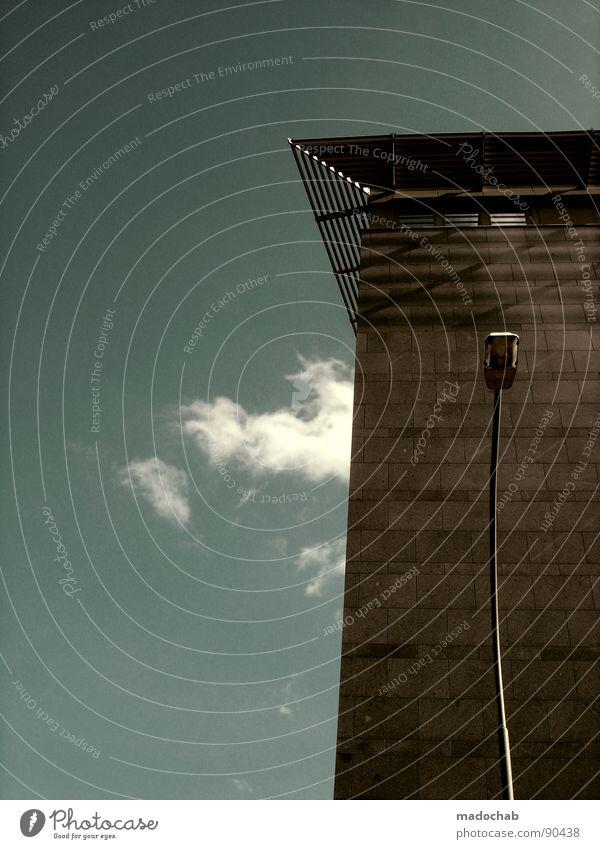 TARNKAPPENLAMPE Himmel Stadt blau Wolken Haus Fenster Leben Architektur Gebäude Freiheit fliegen oben Arbeit & Erwerbstätigkeit Wohnung Design Wetter