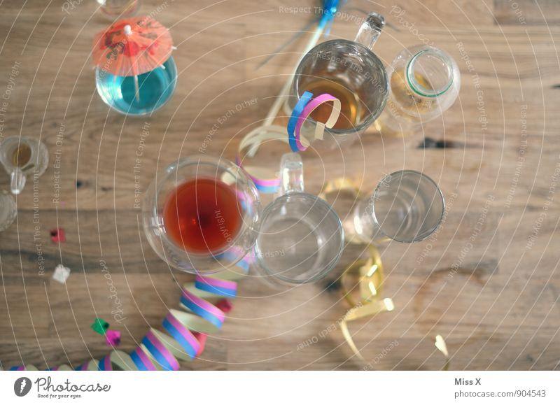 Feierlaune Freude Gefühle Feste & Feiern Stimmung Party Dekoration & Verzierung Glas Geburtstag Tisch Getränk trinken Wein Bier Silvester u. Neujahr Bar Alkohol