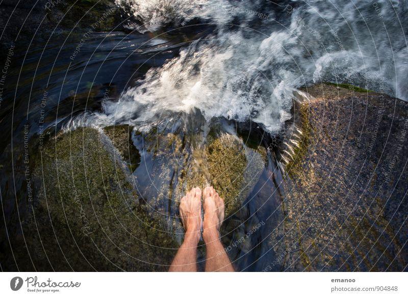 waterfall feet Mensch Ferien & Urlaub & Reisen Mann Wasser Sommer Erholung Meer Einsamkeit ruhig Freude Strand kalt Erwachsene Stil Schwimmen & Baden Freiheit