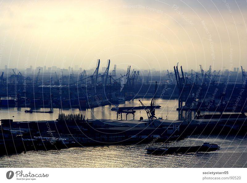 Rotterdamer Hafen im Nebel Niederlande Kran Dämmerung Nacht schön