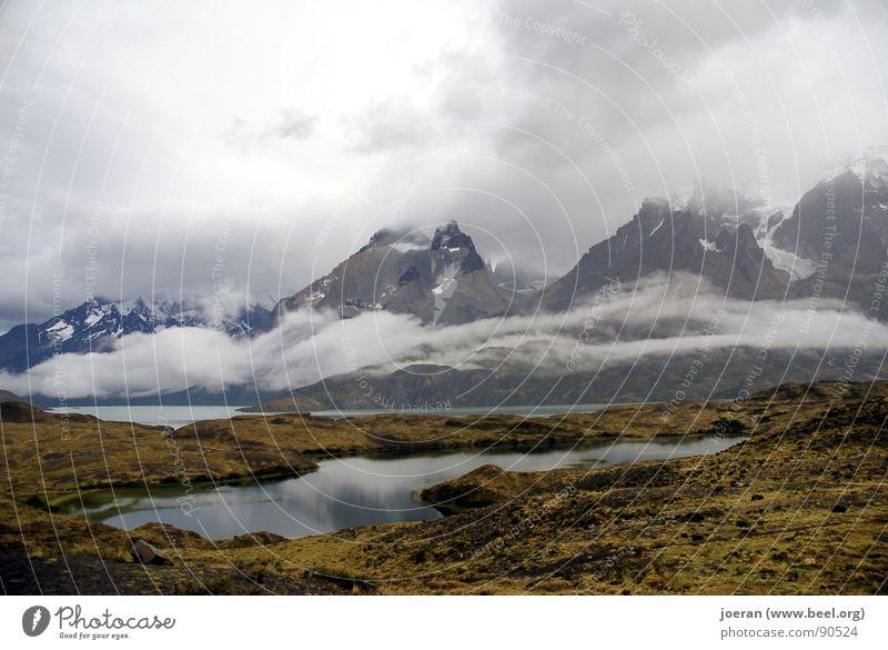 Berggestalten Wolken Chile Torres del Paine NP Südamerika Lake Matheson wandern Berge u. Gebirge Fluss Bach Patagonien Sonnendurchbruch Landschaft