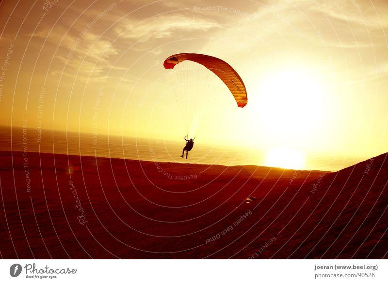 Paragliding II Gleitschirmfliegen Abend Sonnenuntergang Beginn wegfahren Unendlichkeit Schwerelosigkeit Schweben Luftverkehr Funsport Südamerika Sport Wüste