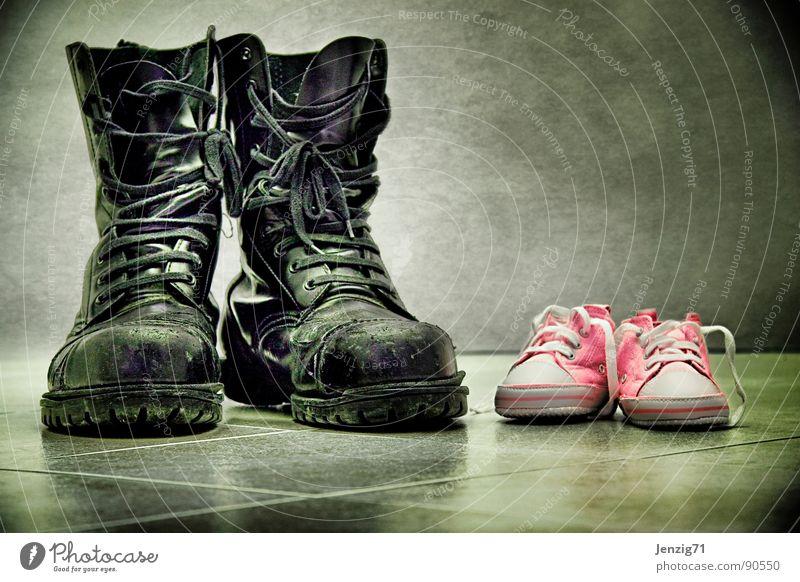 Springer's Junior. Springerstiefel Schuhe groß klein Schnürstiefel Stiefel Bekleidung Babyschuhe Bodenbelag Fliesen u. Kacheln