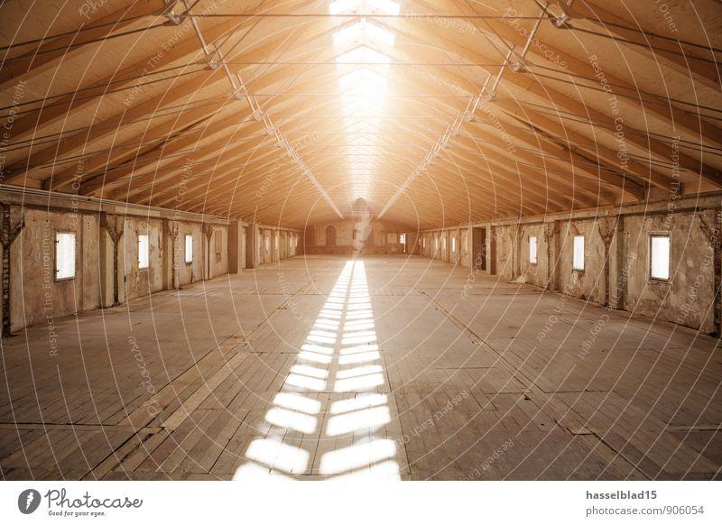 Roof ruhig haus wand ein lizenzfreies stock foto von for Innenarchitektur oder architektur