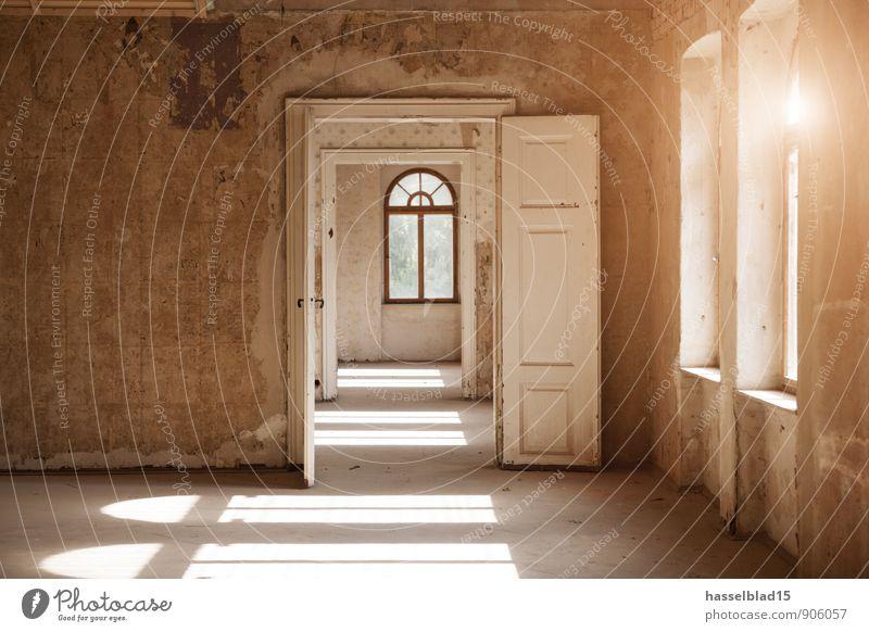 the doors alt Erholung ruhig Haus Fenster Wand Stil Gebäude Mauer Glück Garten Lifestyle Wohnung Design Zufriedenheit Raum