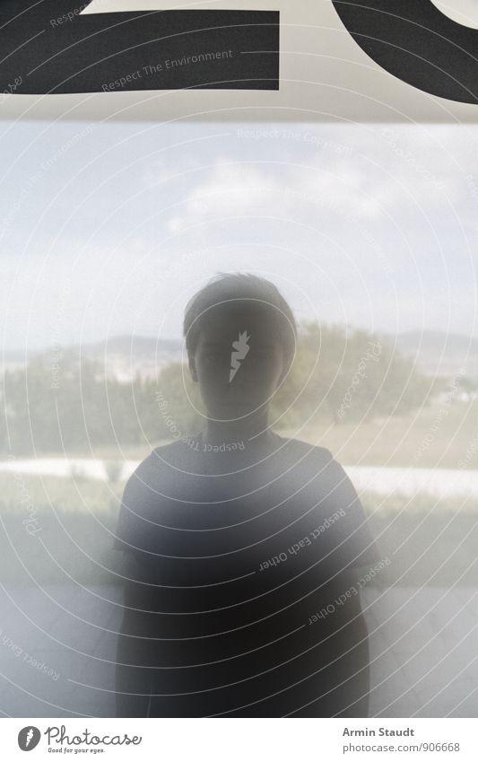 Porträt - Mattglas - Banner Mensch Himmel Kind Jugendliche Sommer Baum Einsamkeit Landschaft dunkel Fenster Gras außergewöhnlich Stimmung maskulin Sträucher