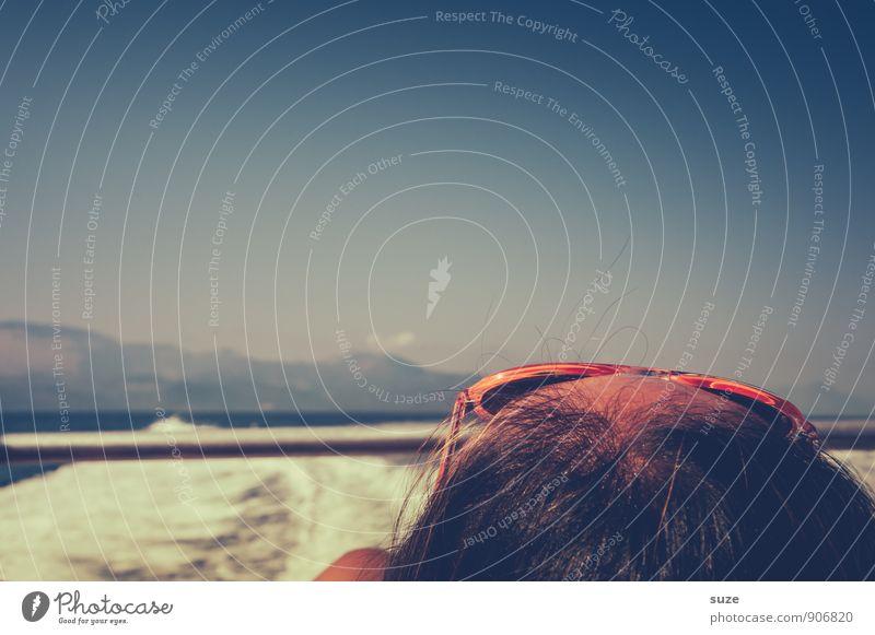 Urlaub Mensch Frau Himmel Ferien & Urlaub & Reisen Wasser Sommer Erholung Meer Erwachsene Reisefotografie Küste Stil Haare & Frisuren Kopf Freizeit & Hobby