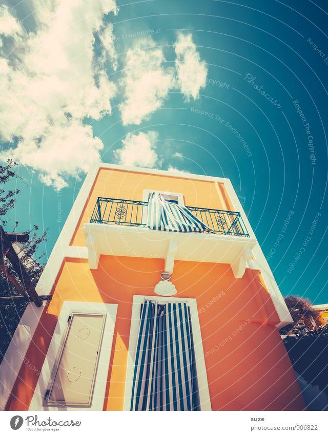 Scheint so ... Himmel Ferien & Urlaub & Reisen blau Wolken Haus Fenster gelb Architektur Gebäude Stil Fassade Idylle Tür Design Tourismus frisch