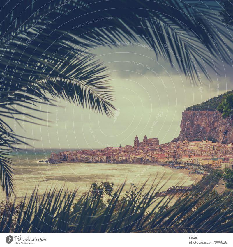 Aus einem Leben in ein andres Ferien & Urlaub & Reisen Strand Berge u. Gebirge Gemälde Umwelt Natur Landschaft Küste Hafenstadt Altstadt Dom außergewöhnlich