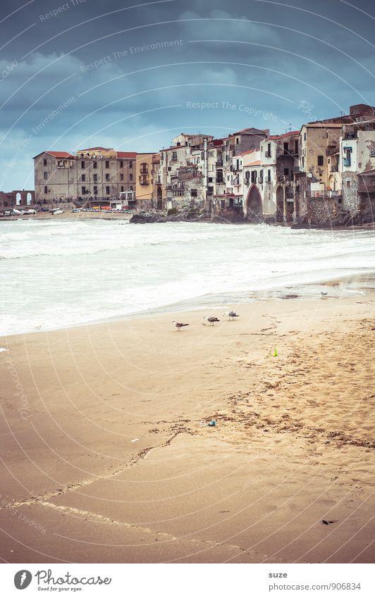 Das Wetter schmeckt ... Ferien & Urlaub & Reisen alt blau Stadt Meer Strand Reisefotografie Architektur Küste Gebäude Fassade wild Idylle fantastisch