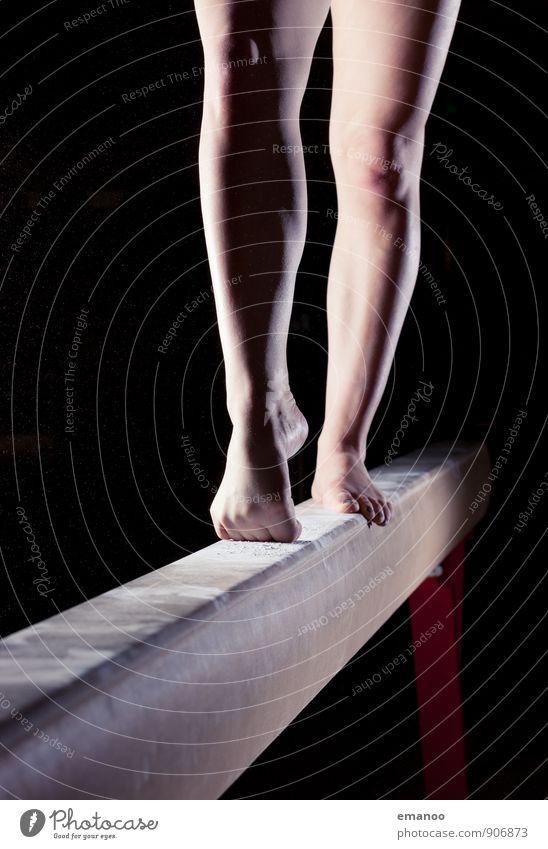 Turnerinnenbeine Lifestyle Stil Freude schön sportlich Fitness Sport Sport-Training Sportler Mensch feminin Junge Frau Jugendliche Beine Fuß 1 Bewegung stehen