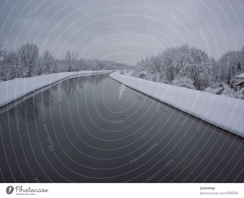Silence Wasser Winter kalt Schnee nass Schneelandschaft München Abwasserkanal Unterföhring
