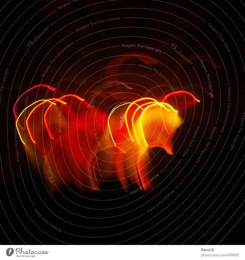 lighting Licht Lichtspiel Langzeitbelichtung Lampe Romantik mehrfarbig rot gelb lichtvoll Drehung Rhythmus Spielen Lichtorgel Lichtbahn U-Form parallel