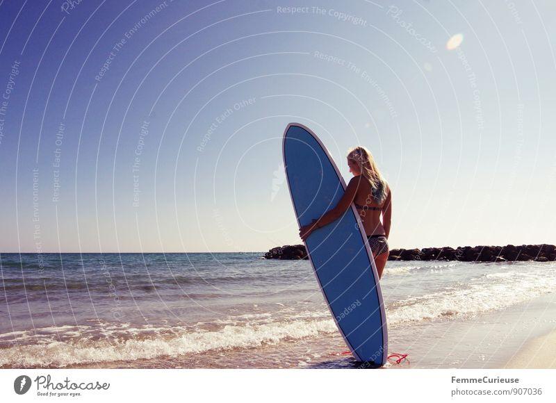 SurferGirl_14 Mensch Frau Ferien & Urlaub & Reisen Jugendliche Sommer Sonne Meer Junge Frau 18-30 Jahre Strand Ferne Erwachsene Bewegung feminin Küste Freiheit