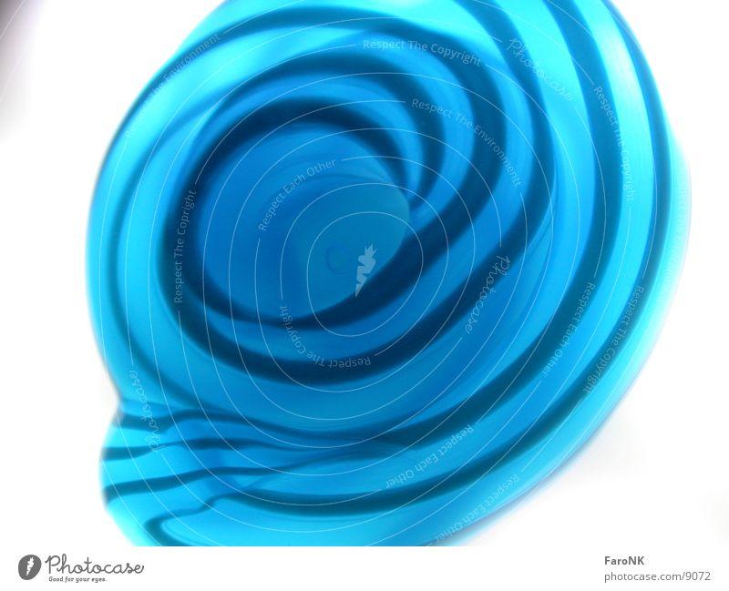 Zahnpasta weiß blau Streifen Zahncreme