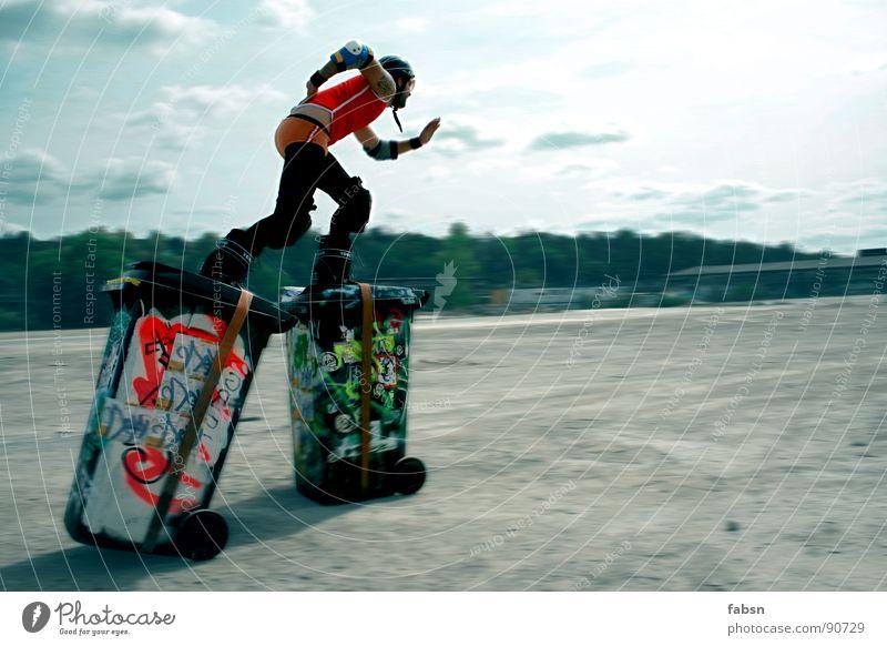 TRASH SKATE TRASH Bewegungsunschärfe Freude Freizeit & Hobby Spielen Freiheit Sommer Sport Sand Graffiti trendy lustig verrückt Geschwindigkeit trashig Kraft