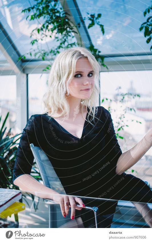 Jugendliche schön Junge Frau Freude Wärme feminin Stil Glück Gesundheit Haare & Frisuren Feste & Feiern Lifestyle Freizeit & Hobby wild elegant Design