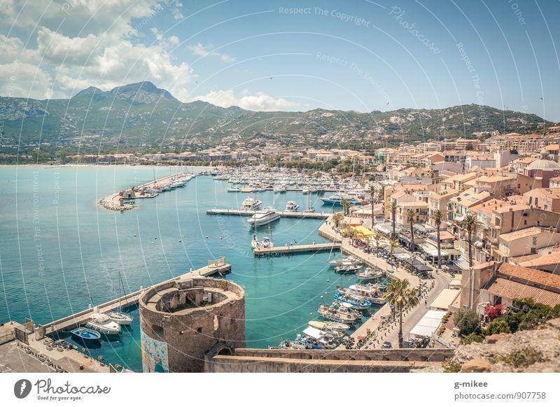 Calvi, Korsika Ferien & Urlaub & Reisen schön Wasser Meer Landschaft Ferne Berge u. Gebirge Reisefotografie Küste Wasserfahrzeug Luft Erde frei Insel
