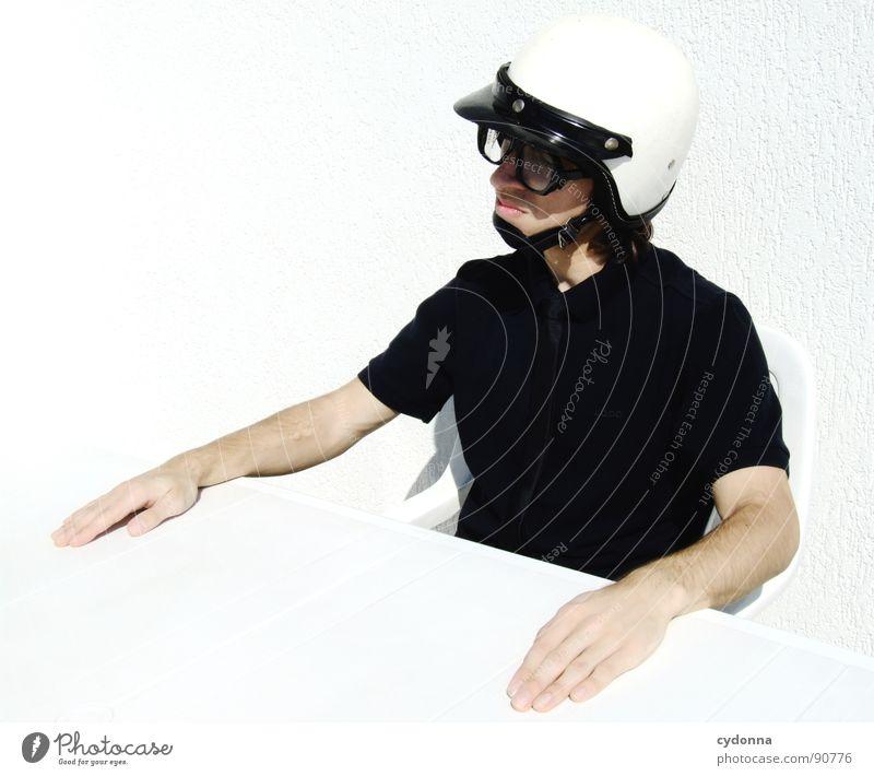 Special Agent II Mensch Mann weiß Freude Gefühle Stil lustig verrückt sitzen Tisch Coolness Brille Maske außergewöhnlich Ladengeschäft Anzug