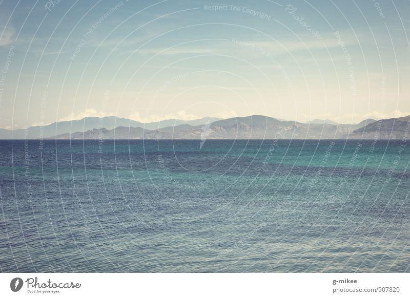 blau Himmel Natur Ferien & Urlaub & Reisen Wasser Meer Landschaft ruhig Reisefotografie Freiheit Horizont Luft Wellen Unendlichkeit Hügel