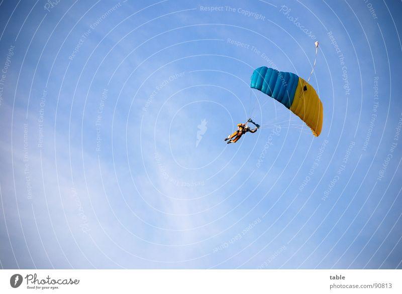 what goes up must come down... Himmel blau Wolken Sport Freiheit Stil Luft Abenteuer fliegen Freizeit & Hobby Aktion gefährlich Coolness einzigartig Mut Schweben
