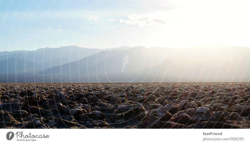 Steine Natur Landschaft Urelemente Erde Sonne Schönes Wetter Wärme Dürre Felsen Wüste Aggression alt eckig fest gigantisch groß Unendlichkeit stachelig trocken