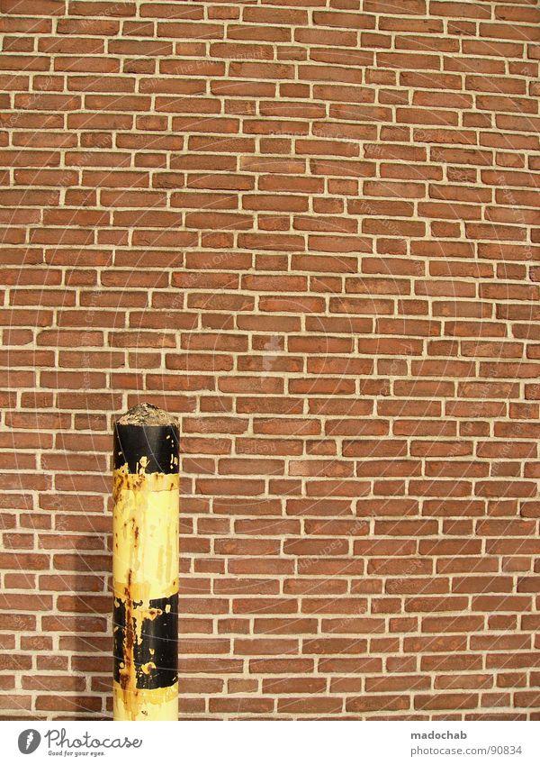 GEGEN ZIEGEL. IMMER. Wand Mauer Architektur Dinge verfallen Backstein