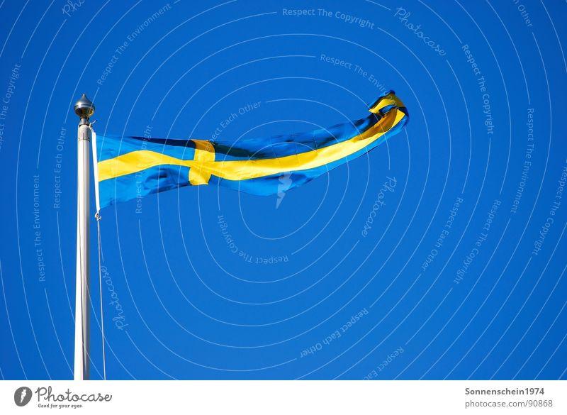 Schweden Fahne Ferien & Urlaub & Reisen blau-gelb Brise Europa Himmel Schwedenflagge Blauer Himmel Schönes Wetter Wind national
