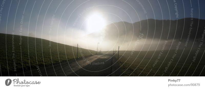 Der Weg Natur Himmel Sonne Ferien & Urlaub & Reisen ruhig kalt Herbst Wiese Berge u. Gebirge Wege & Pfade Landschaft wandern Nebel groß Freizeit & Hobby Weide